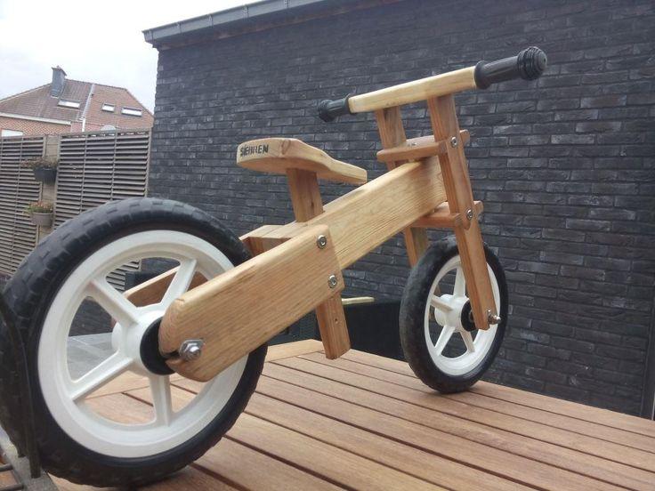 DIY loopfiets uit palettenhout.