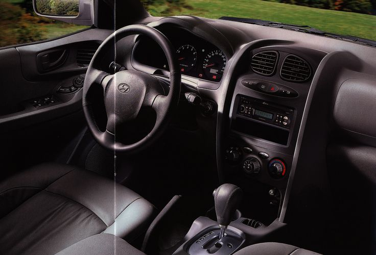 https://flic.kr/p/FuE9mr | Hyundai Santa Fe interior; 2001_3 | car brochure by worldtravellib World Travel library