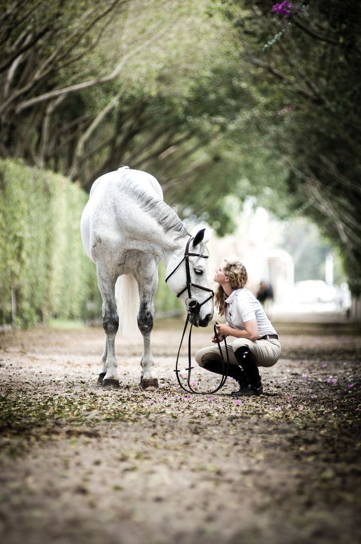 The best connection between a girl and her horse is not the one that you can see, it's the one that you can feel.    Photography by Linnea Christina