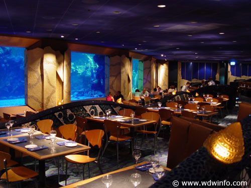 This is Coral Reef at EPCOT.  So much fun to watch divers and sealife during dinner!  Kids love this place!