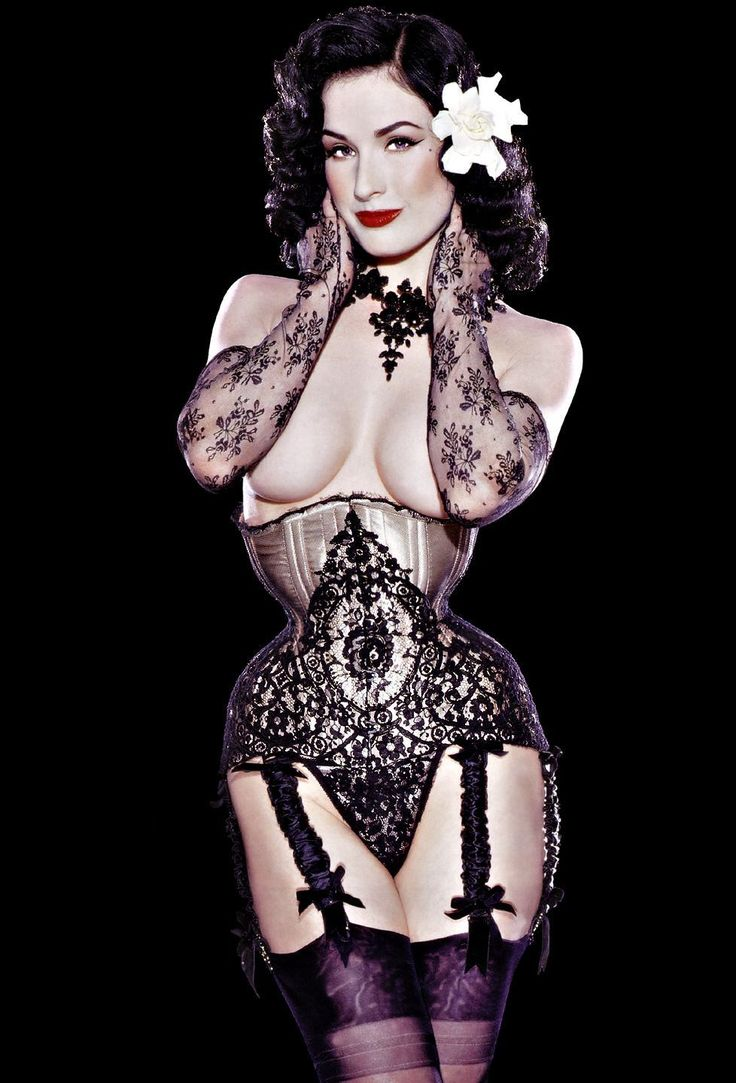 Dita von girdle dominated