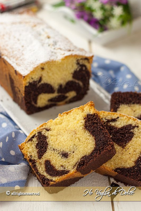 Plumcake panna e cioccolato bicolore, una ricetta per la colazione facile, veloce e golosa. Un dolce soffice e senza burro ottimo per la merenda dei bambini