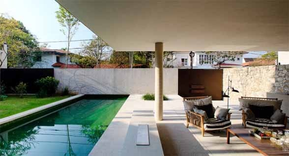 Small Pond House 6 in Sao Paolo by Marcio Kogan