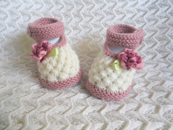 Hand knitted baby booties/shoes for Newborn by HandmadebyPrisca, £5.00
