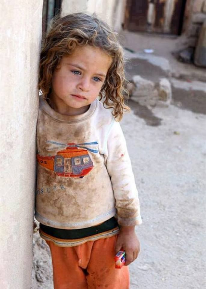 #Syria: In her eyes all the pain of the Syrian people. let us love each other not matter what race, colour , country religion you are from. We are all beautiful and to be loved