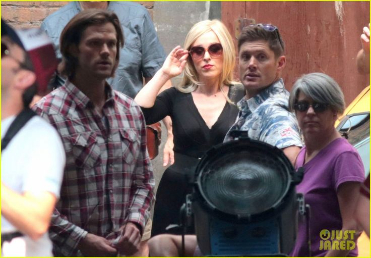 Jared Padalecki, Ruth Connell and Jensen Ackles behind the scenes of Supernatural Season 11 credits by http://www.justjared.com