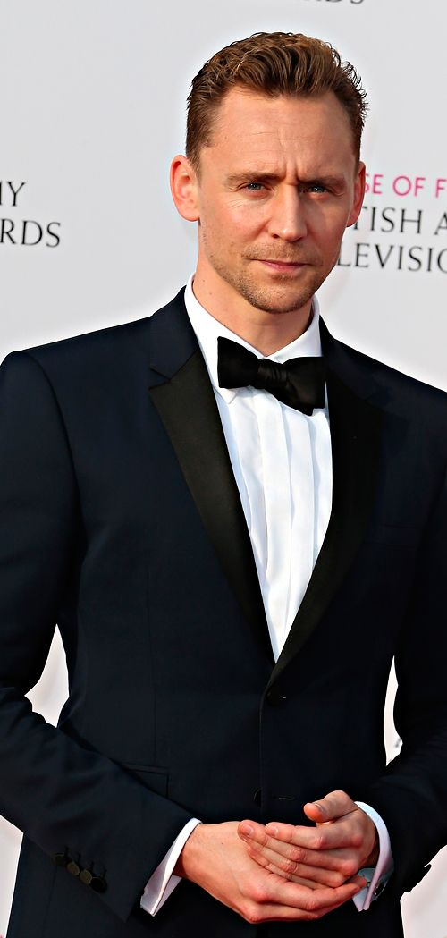 Tom Hiddleston attends the House Of Fraser British Academy Television Awards 2016 at the Royal Festival Hall on May 8, 2016 in London, England. Full size image: http://www.tomhiddleston.us/gallery/albums/2016/events/baftapress/001.jpg Source: http://www.tomhiddleston.us/gallery/thumbnails.php?album=733