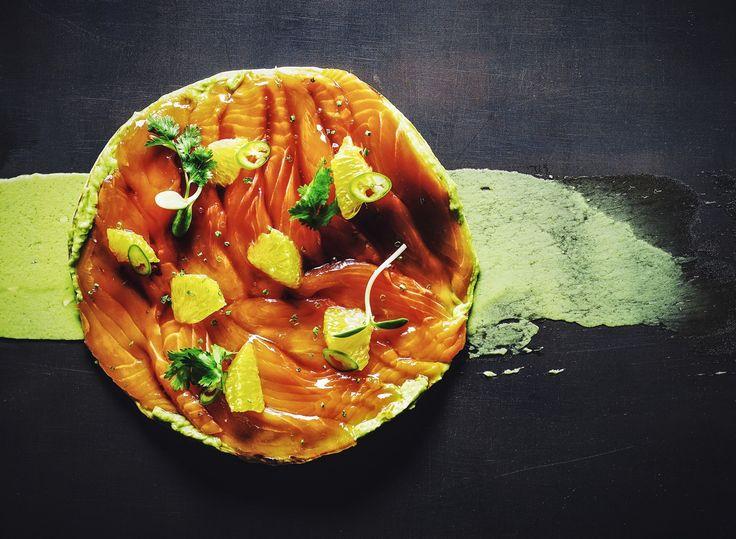 Тостадитос  Лосось с гуакамоле и соево-цитрусовой сальсой  в Chicha