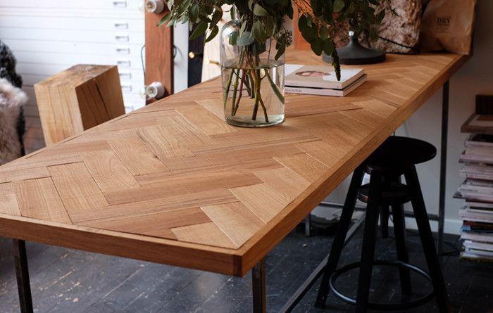 Visgraat tafel van Dry Creative Projects   Interieur inrichting