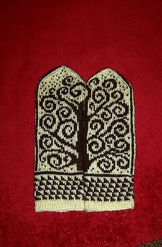 Ravelry: The Tree of Life Mittens pattern by Natalia Moreva
