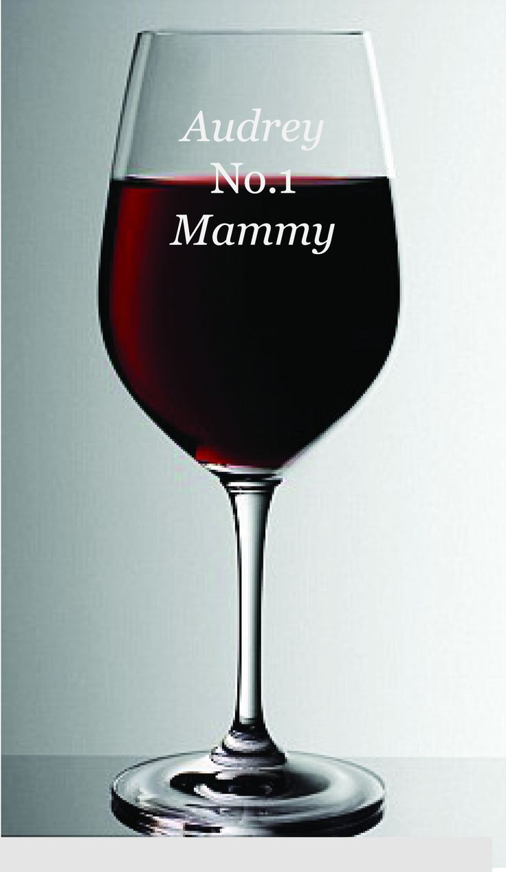 No.1 Mum  wine glass is a quirky fun glass that any mother would love. why not sign it off with a name foe a personal touch? Comes in a satin lined gift box. Height: 22 cm Volume: 35 cl