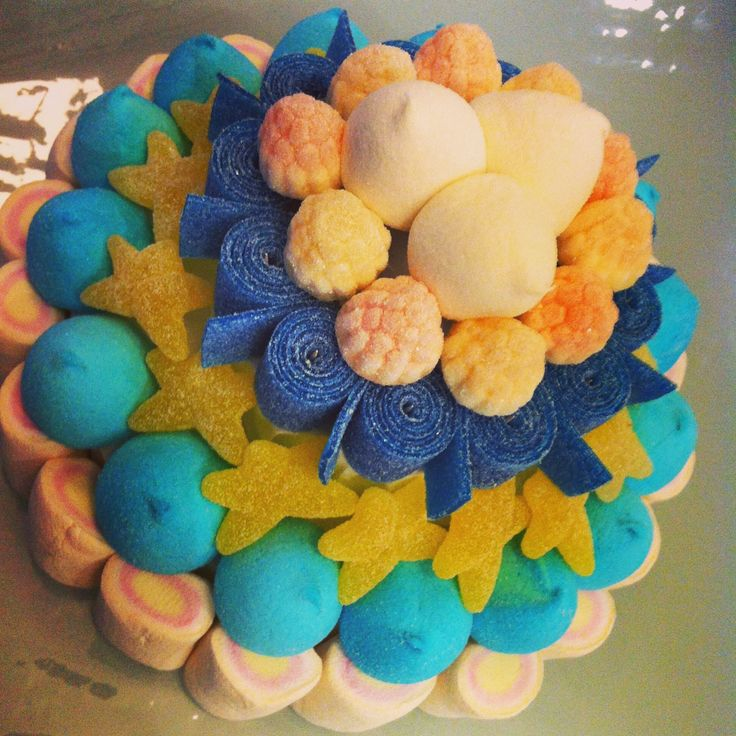 Tarta de Chuches azul y amarillo