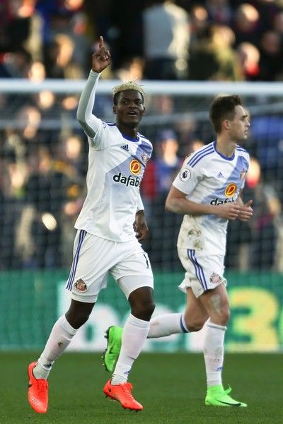 Sunderland's Gabonese midfielder Didier N'Dong (L) celebrates scoring their second goal during the English Premier League football match between Crystal Palace and Sunderland at Selhurst Park in south London on February 4, 2017 / AFP / Daniel LEAL-OLIVAS / RESTRICTED TO EDITORIAL USE. No use with unauthorized audio, video, data, fixture lists, club/league logos or 'live' services. Online in-match use limited to 75 images, no video emulation. No use in betting, games or single…