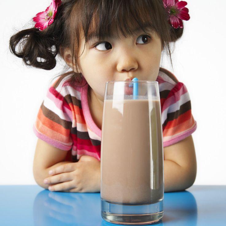 Fakta Mengerikan Minum Susu Sapi