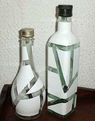 O post de hoje é uma dica de decoração baratex:  transforme garrafas vazias (de suco, azeite, vinagre...) em objetos decorativos para ...