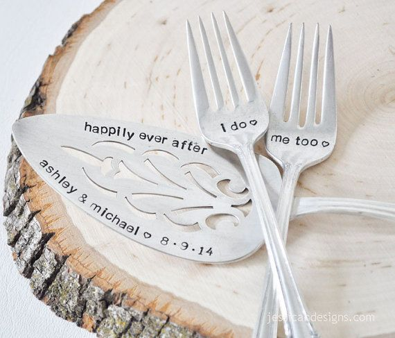 This is the pie cutting set :)  happily ever after lizzy & chance 6·13·15 Mr. Mrs. https://www.etsy.com/listing/191324647/personalized-vingate-wedding-cake-server