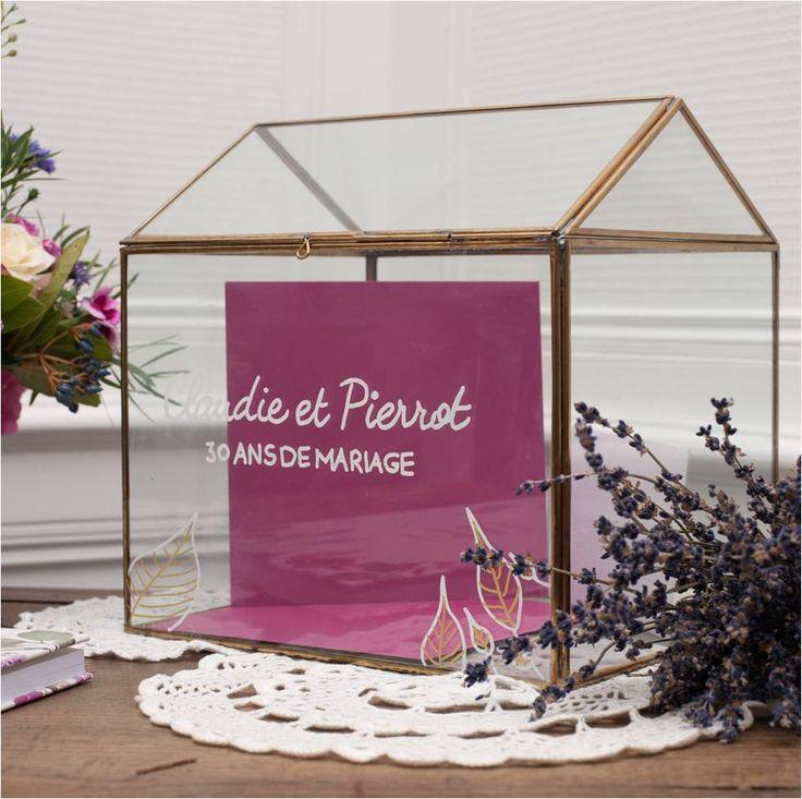 Urne en verre et métal cuivré, personnalisable, idéal pour les petits mots des convives, chez l'Atelier d'Hiris, location de décoration 44