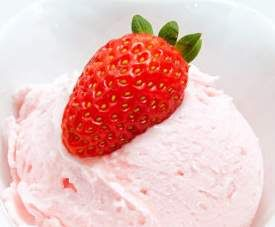 Rezept Erdbeer-Raffaello-Eis von Thermofe - Rezept der Kategorie Desserts