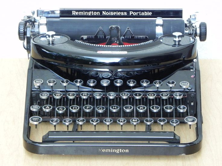 Remington Noiseless Portable Typewriter 1930s Model N92667