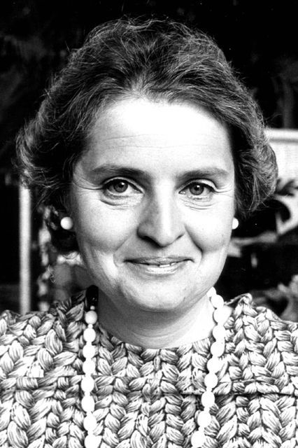 Women's History Month - Meet the Women Who Changed Your Life: Madeleine Albright Her mark on history: The first female U.S. secretary of state http://www.refinery29.com/2016/03/104279/famous-women-in-history#slide-15