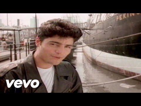 Chayanne - Completamente Enamorados - YouTube