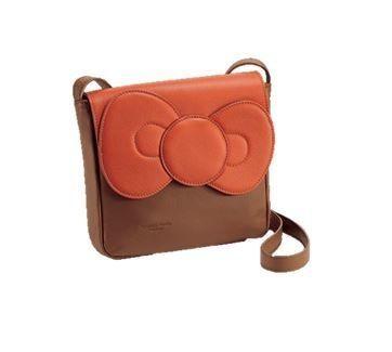 PELLETTERIA VENETA Hello Kitty Cowhide Shoulder Bag #hellokitty #cowhide #shoulderbag #bag #ribbon
