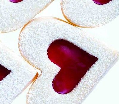 Raspberry sugar-cookie hearts