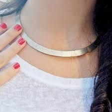 Resultado de imagen de collares pegados al cuello