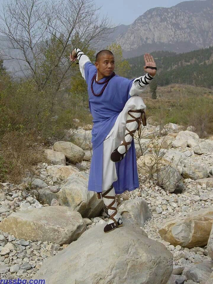 Shaolin Kung Fu. Balance strengthens patience