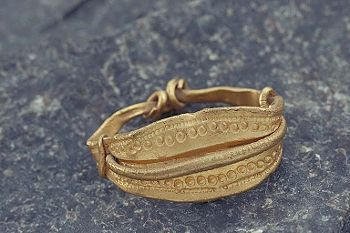 (Viking, Sweden) Viking age. Gold Ring. Gotland, Sweden.