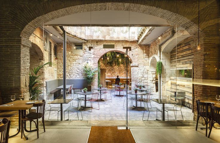 2016 Restaurant & Bar Design Awards Announced,Tapas Bona Sort (Barcelona, Spain) / Jordi Ginabreda Studio . Image Courtesy of The Restaurant & Bar Design Awards