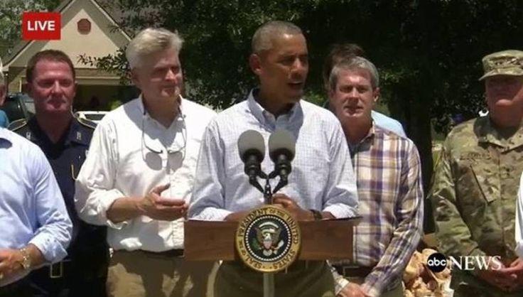 Ο Μπαράκ Ομπάμα επισκέφθηκε τους πλημμυροπαθείς στη Λουιζιάνα (φωτό)