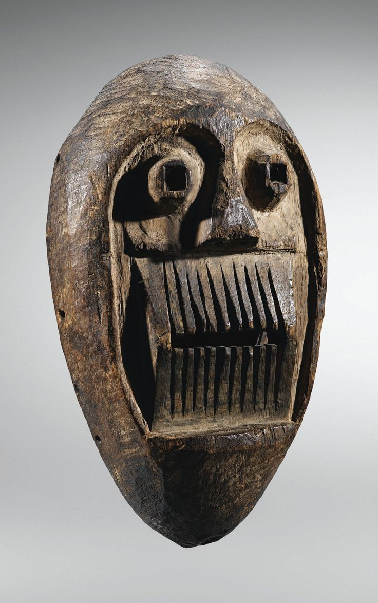 MASQUE, BAFO, CAMEROUN MASK, BAFO, CAMEROON H 30,5 cm, 12 in SOTHEBY'S, Paris, 18 June 2014, sold 35,000 EUR