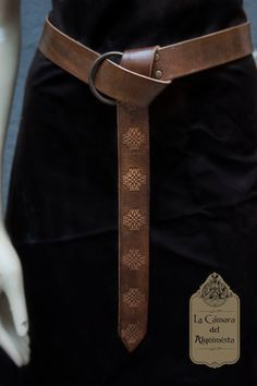 Leather belt. Medieval belt. Rol Larp Accesory,  ring belt in natural leather, dyed and aged by hand stamped with celtic style cross