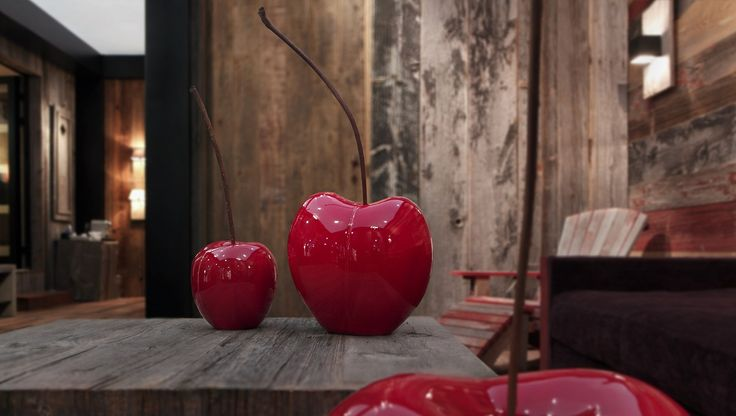 Good enough to eat, ceramic cherries...waiting for that first bite. Gorgeous inside and out.