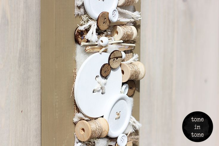 H.O.M.E. #Dress #Up #Your #Door or #Wall with this #DIY #nature #white #sewing #handmade #interior #decoration | by toneintone