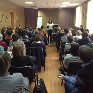 """Бесплатные семинары и лекции для психологов в сентябре:  http://appme.ru/free-tng.html 26 сентября открытая лекция """"Практика интутивного питания"""", ведущая: Мадина Каирова, психолог-консультант, сертифицированный гештальт-терапевт. 29 сентября открытая встреча с Линн Халамиш (Израиль) «Коммуникация как средство оказания помощи умирающим больным разного возраста». Вход для специалистов бесплатный!"""