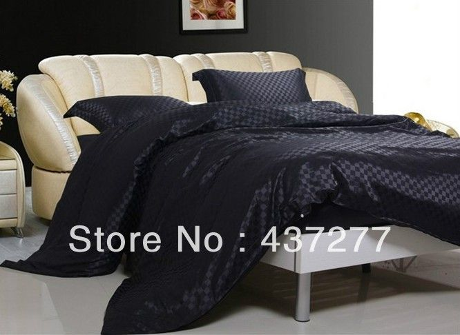 Top 25 Ideas About Plaid Bedroom On Pinterest Christmas Bedding Plaid Decor And Plaid Bedding