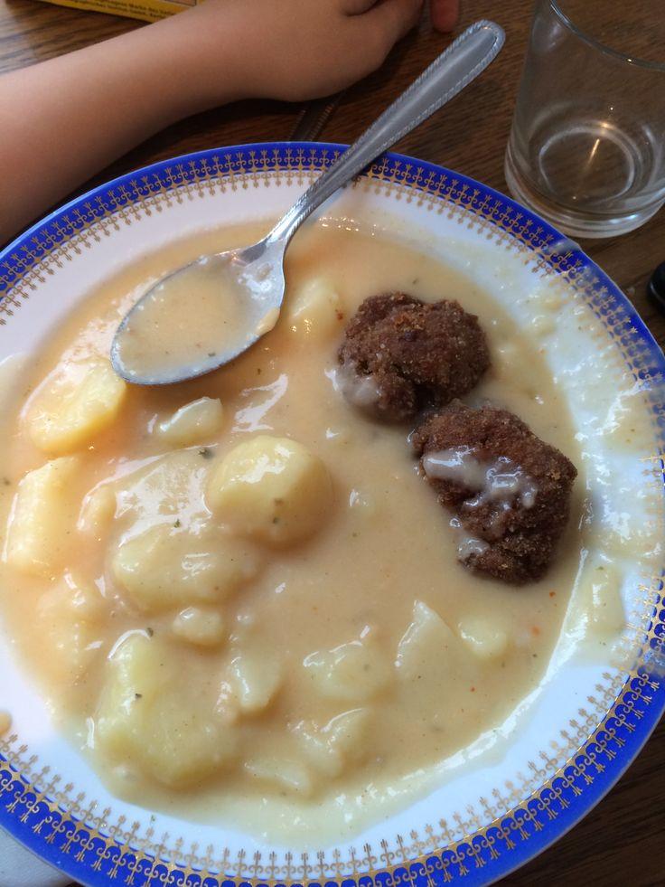 Krumpli főzelék es fasirt