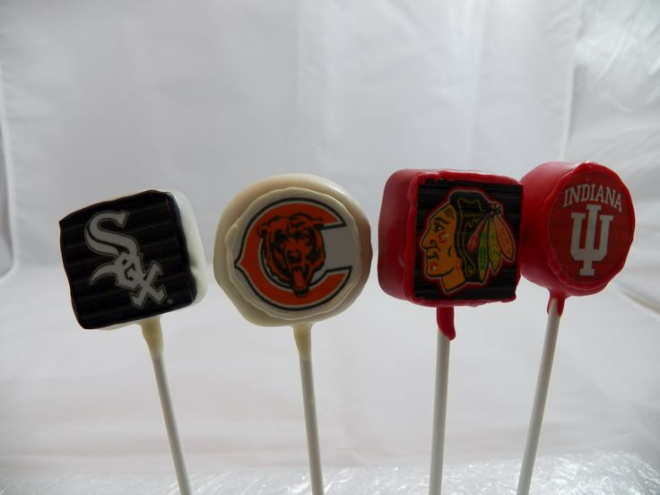 Sports teams Cake pops from  www.chicagocakepops.com
