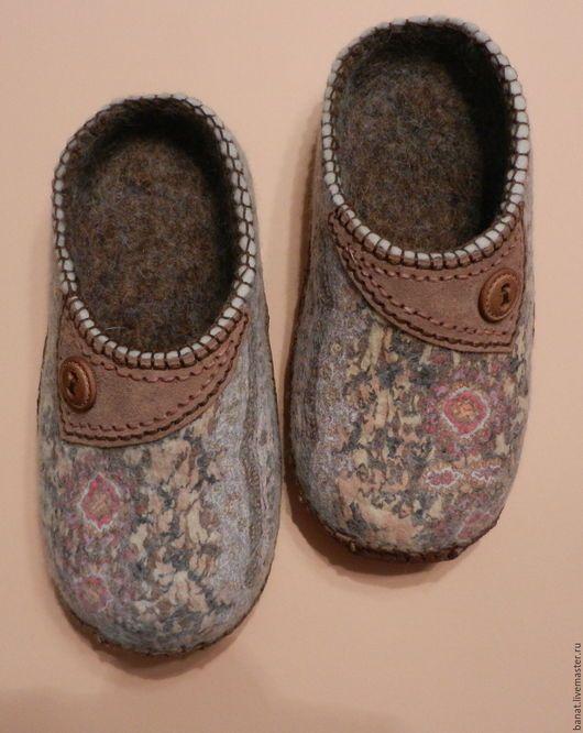 """Обувь ручной работы. Ярмарка Мастеров - ручная работа. Купить Тапки валяные домашние """"Теплые"""". Handmade. Комбинированный, тапочки валяные"""
