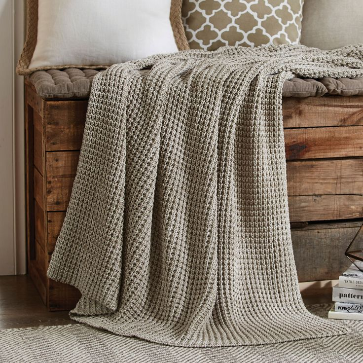 MOSS STITCH MARLED THROW