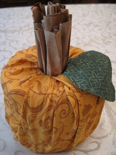 Smashed Peas and Carrots: Toilet Paper Pumpkins Tutorial