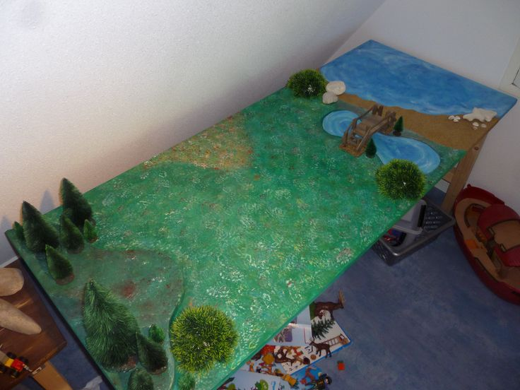 Table for my son to play with his playmobil made by me Table playmobil