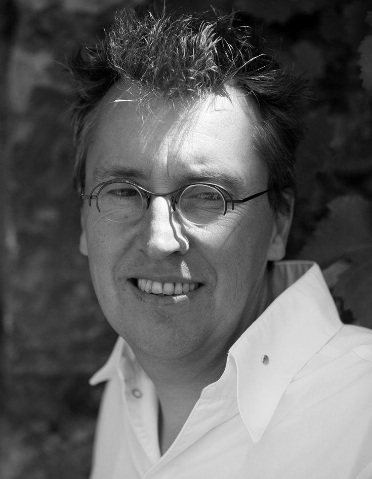 Laurent Petit vient d'obtenir sa deuxième étoile au Michelin. Passionné par les bons produits et à la recherche de la juste cuisson, il vient de publier �...