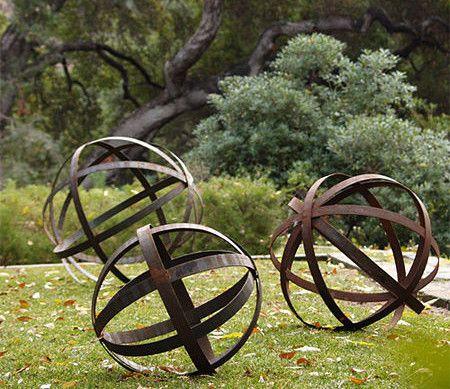gartendeko selber basteln mit metall_coole bastelideen für diy gartenkugeln (Diy Garden Ornaments)