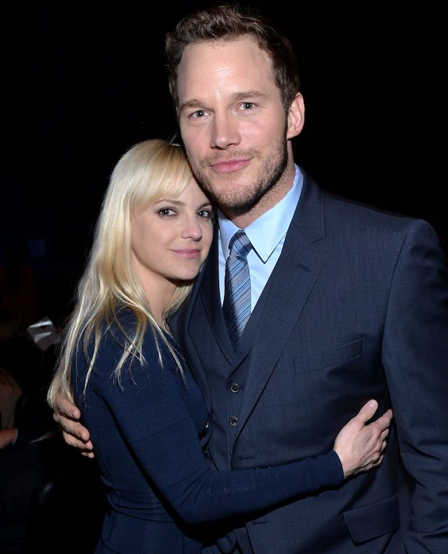 You'll want Chris Pratt to do your hair after you see the perfect braid he gave Anna Faris.