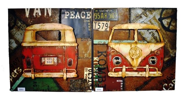 CUADROS VW T1 BACK RED & VW T1 FRONT RED. Acrílicos sobre metal con carrocería de la furgoneta y matrículas en relieve. Ambos cuadros conforman aunque pueden adquirirse de forma independiente. Medidas: 80 x 8 x 80 cm/cuadro. Peso: 11 kgs/cuadro.
