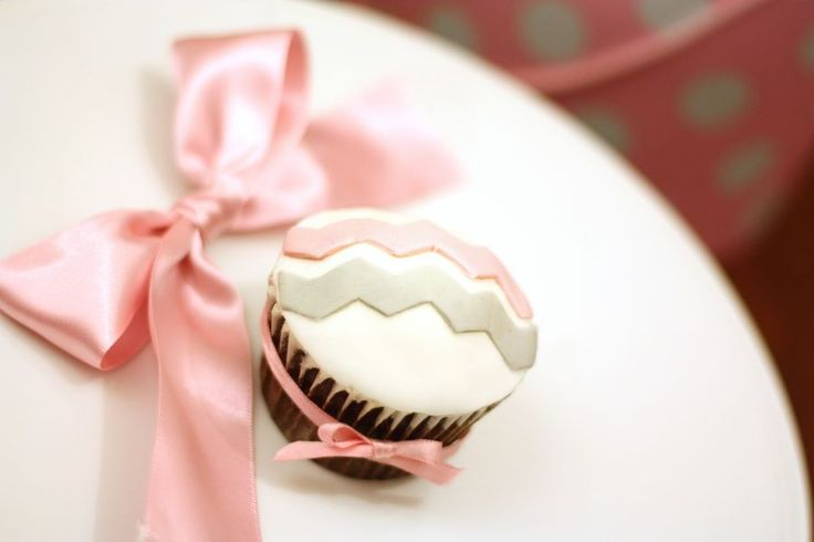 pink and grey chevron   Chevron cupcake in pink and grey, two of my 2013 trend predictions for ...