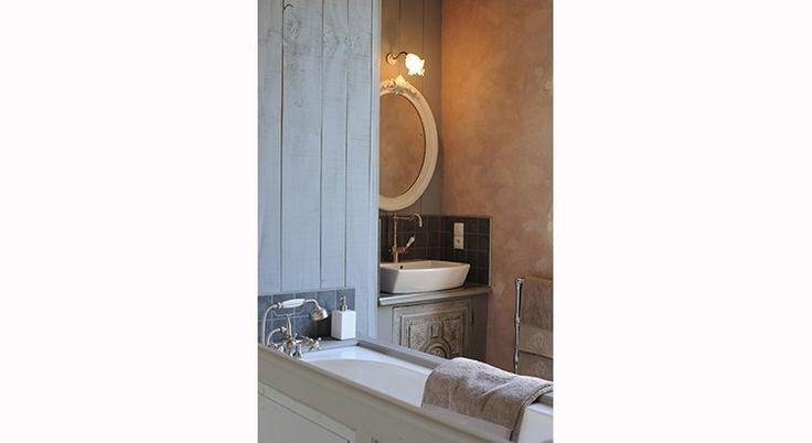 17 meilleures images propos de salles de bains de charme. Black Bedroom Furniture Sets. Home Design Ideas